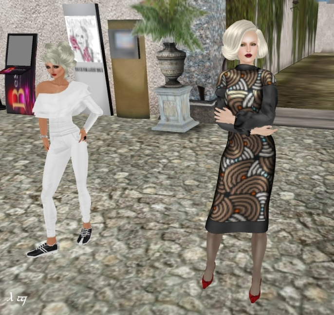 Myself with Squinternet Larnia (on the right), at her main store in March 2012