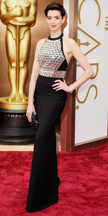 030214-Oscars-Anne-Hathaway-567