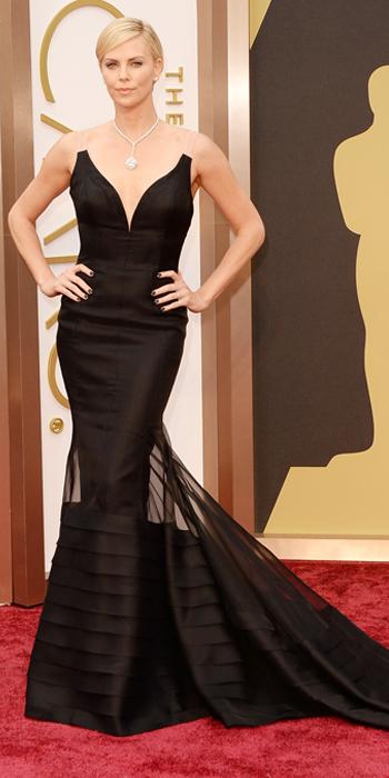 030214-Oscars-Charlize-Theron-567